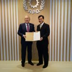 2.	Ambassador Mercan (L) delivering the letter from Minister of Science, Industry and Technology Özlü to Secretary-General Kanoktanaporn at the APO Secretariat, 10 January 2018.